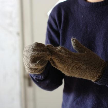 手編みのカバー付き手袋1