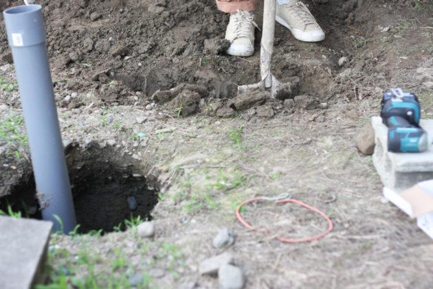 捨てコン用の穴と手掘り井戸との関係